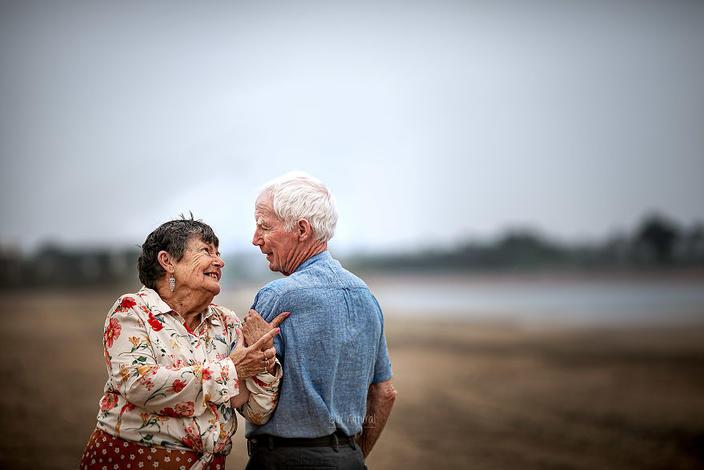 поэтому мои подсмотрел пожилые пары смотреть фотки взяты