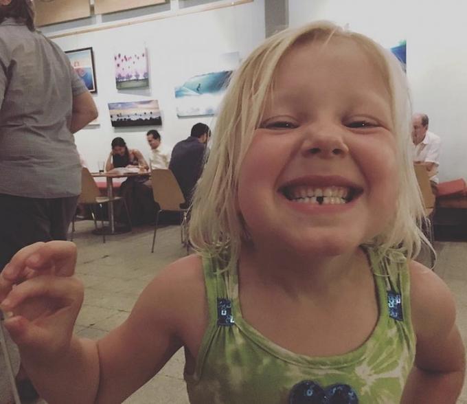 Никогда не выбрасывайте молочные зубы своих детей! Вот что говорят врачи