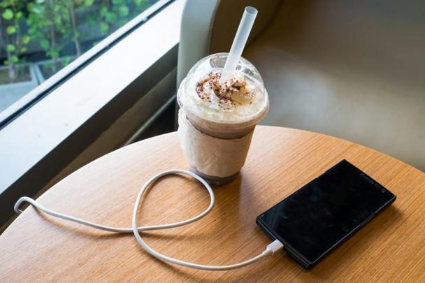 8 мест, в которых вы никогда не должны заряжать свой телефон