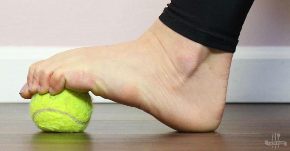 6 простых упражнений для снятия боли в ногах, которые реально работают