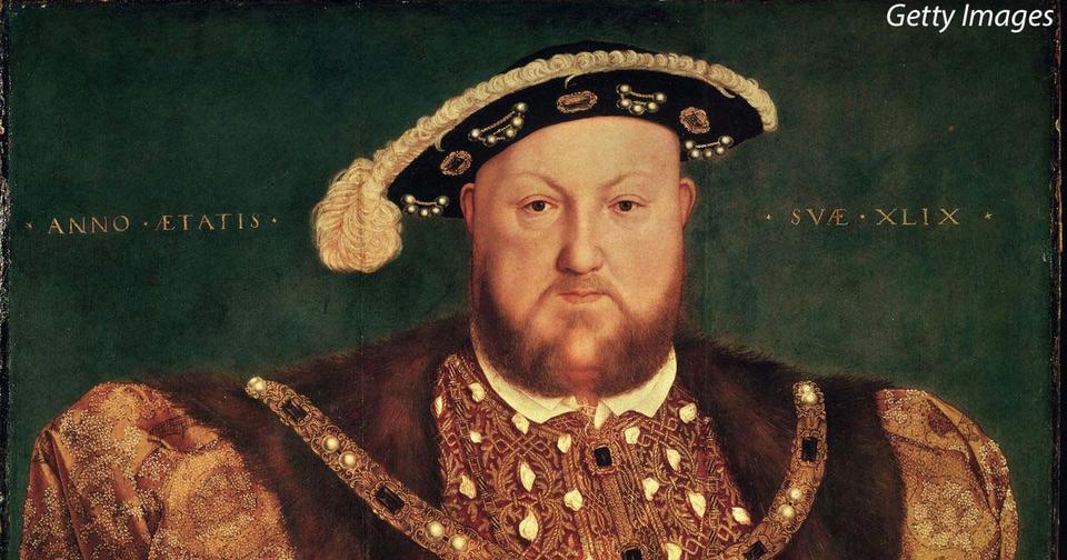В прошлые века мужчины носили кучу украшений, сегодня – уже нет. Почему?