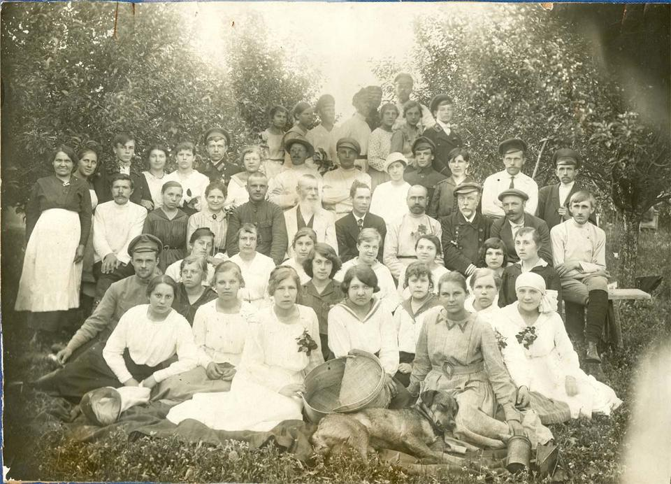 Как в России школьная форма менялась: фото с начала XX века