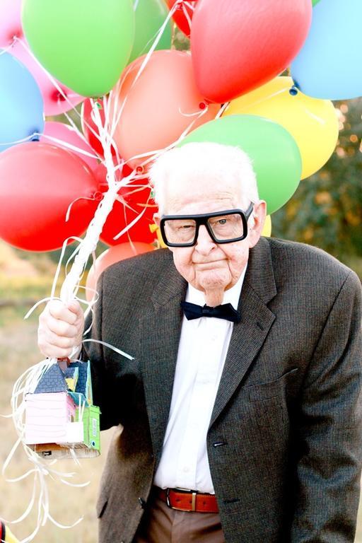 Фотосессия 5-летнего мальчика и его 90-летних прабабушки и прадедушки покорила миллионы
