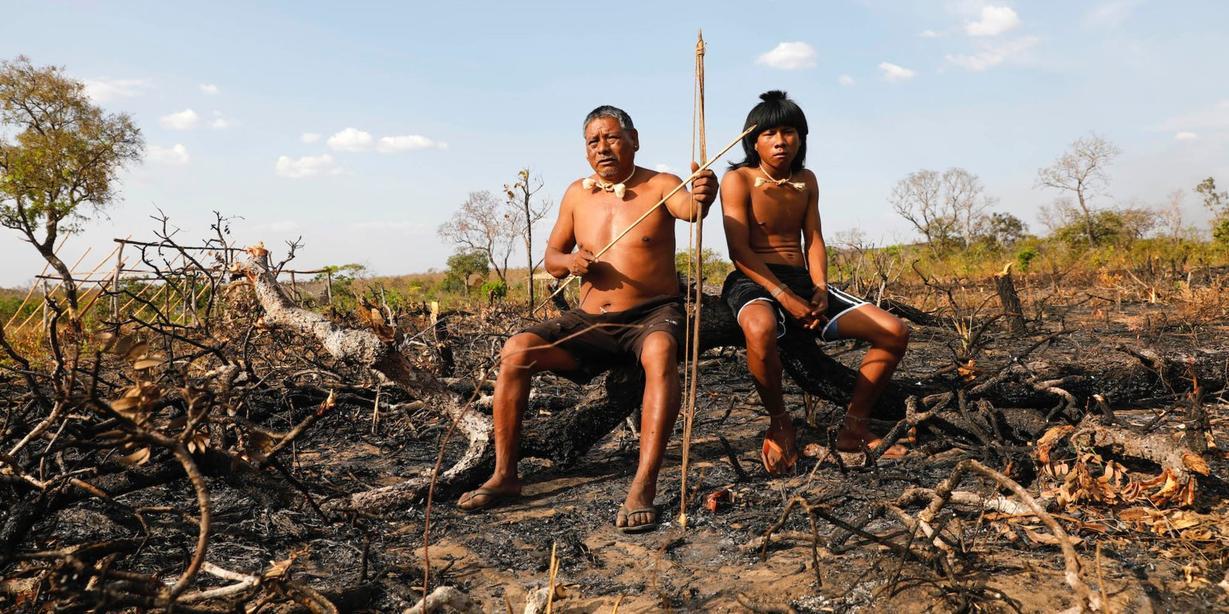 Потрясающие фото коренных жителей Амазонки, которым сейчас ох как несладко