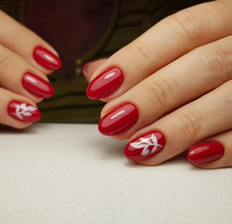 Форму ногтей надо выбирать в зависимости от длины пальцев и других нюансов