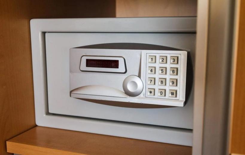 Продезинфицировать места, где все прикасаются руками: что нужно сделать, заселившись в гостиничный номер