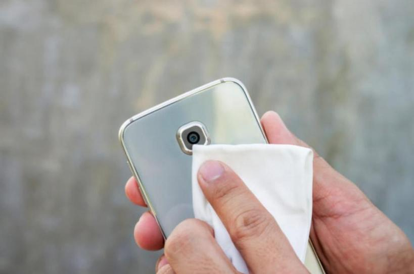 Ваш телефон   самое грязное, что у вас есть. Сколько бактерий скапливается на обычном смартфоне