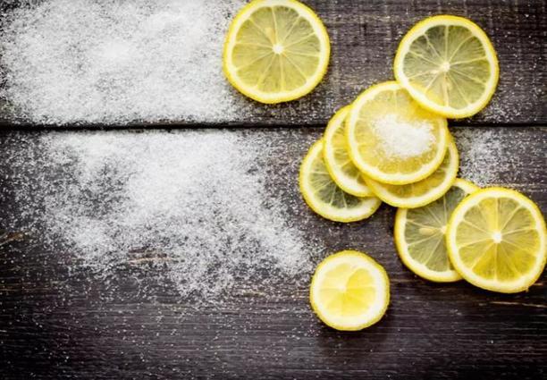 Банановая овсянка, мед и лимон: составы, которые помогли мне избавиться от нежелательных волос на лице и теле