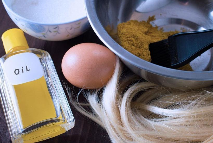 Пить больше воды и принимать витамины: подруга-парикмахер рассказала, как подготовиться к осветлению волос и ухаживать за ними после окрашивания