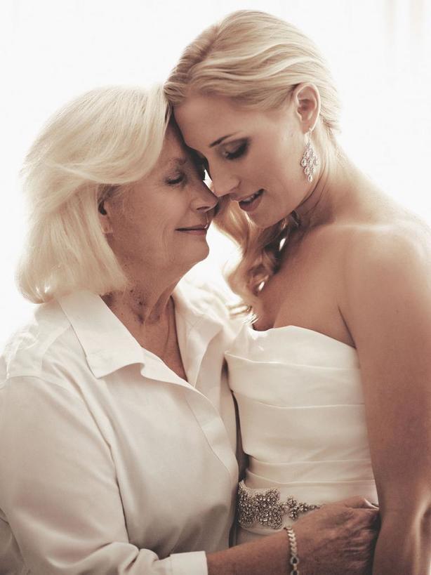 Если дочка засиделась... Молитвы и заговоры в день Покрова для матерей, желающих выдать дочь замуж