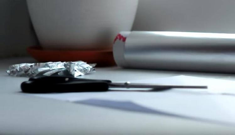 Муж пусть отдыхает: делюсь секретом как наточить ножницы за одну минуту