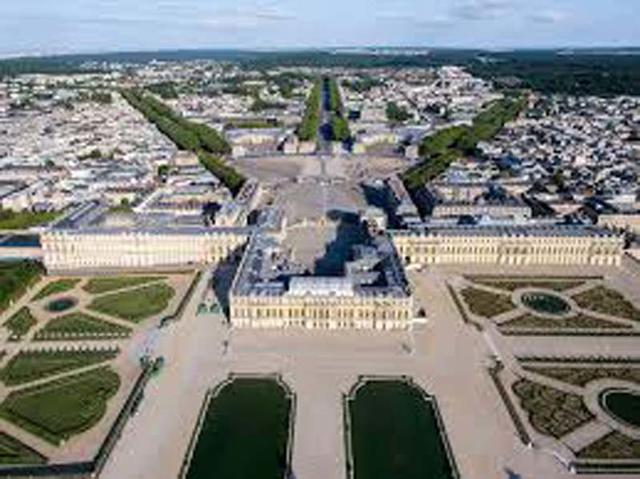 Теперь можно почувствовать себя королем Франции: прямо в Версальском дворце открылся новый отель