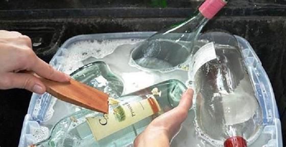 Увидела в гостях, какие поделки получаются из стеклянных бутылок и прекратила их выбрасывать