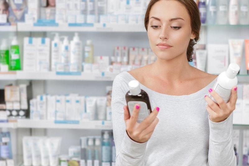 Скупой платит дважды, или Стоит ли экономить на косметике: чем профессиональные средства для волос отличаются от масс-маркета и как их правильно выбирать