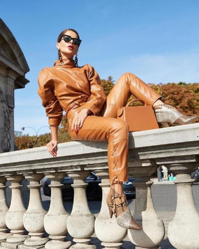 Платье-свитер, дубленка в стиле авиатор: тренды этой зимы, которые должны быть у каждой модницы