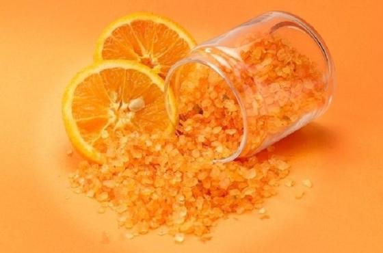 Из-за частых отключений света в холодильнике стало дурно пахнуть: выручили апельсин и соль