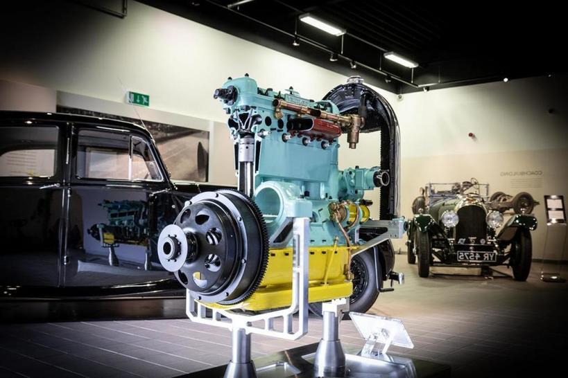 Энтузиасты вернули к жизни 96-летний двигатель «Бентли» к юбилею автопроизводителя