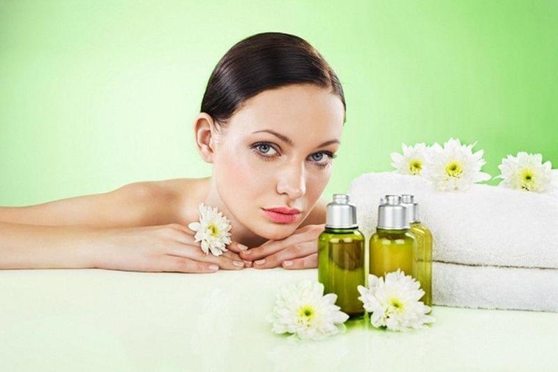 Агрессивное действие: почему не рекомендуется ежедневно пользоваться эфирными маслами для ухода за кожей лица