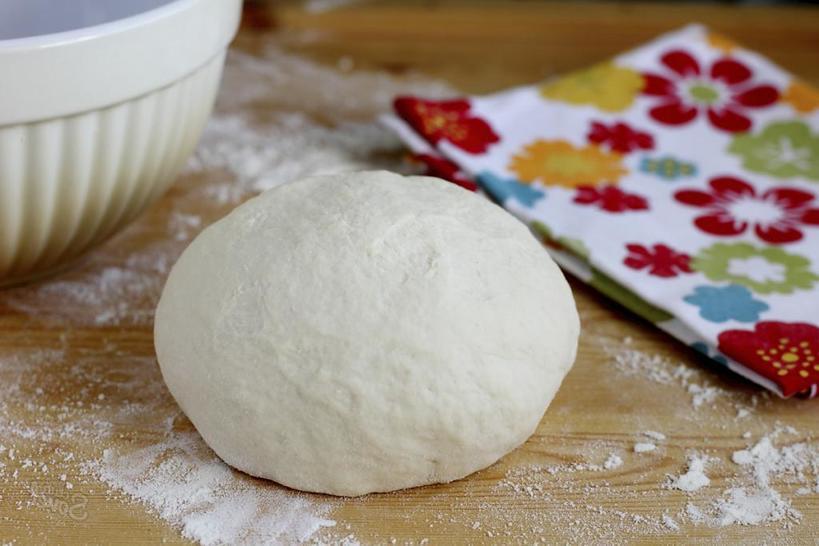 Для праздничного стола всегда готовлю пирог с лососем и луком-пореем. Гостям очень нравится