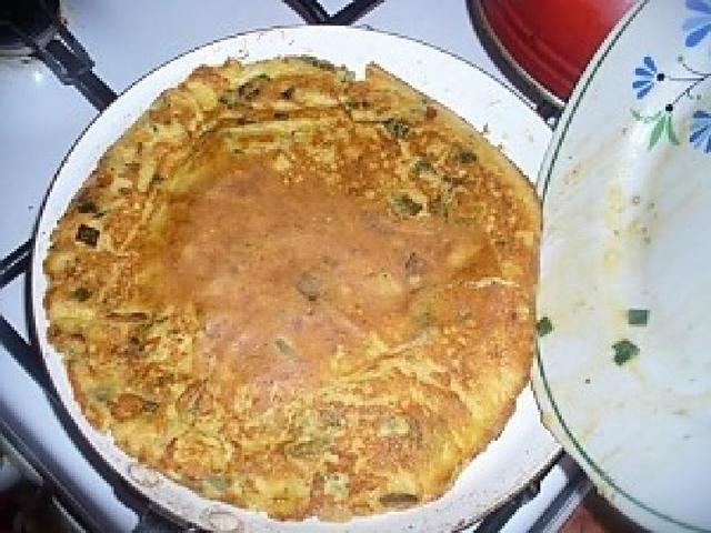 Полезный, сытный завтрак - омлет с кабачками, нутом и горошком