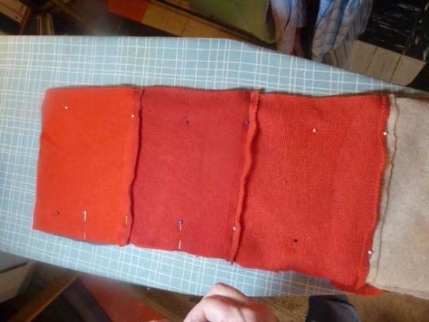 Время утепляться: как сшить очень мягкий кашемировый шарф из старых свитеров