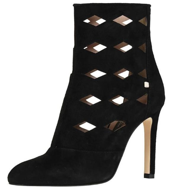 Ботильоны за 5 и сапоги за 5. Как выглядят самые дорогие пары обуви из авторской коллекции Сары Джессики Паркер