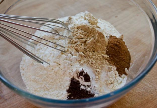 Любовь с первого кусочка: домашний шоколадный торт, который можно есть сразу после приготовления