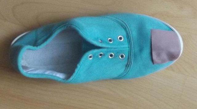 Как вернуть поношенной обуви презентабельный вид: делаем латки, отбеливаем подошвы и многое другое