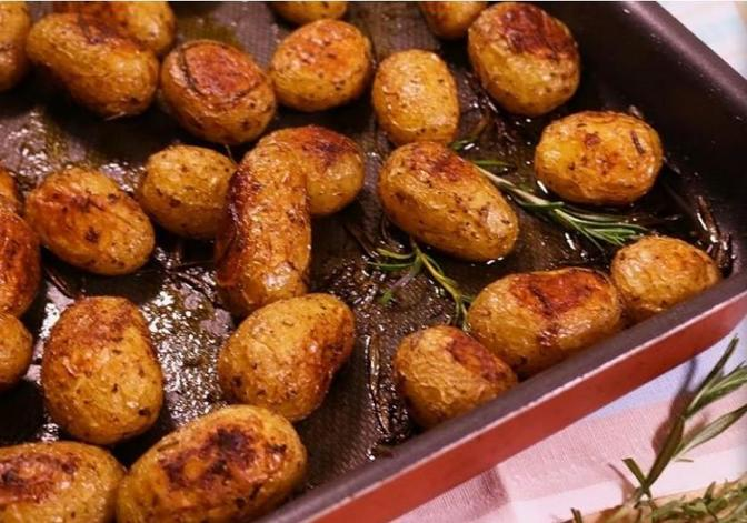 На праздничный стол ставлю фаршированную картошку: отличная альтернатива надоевшему пюре