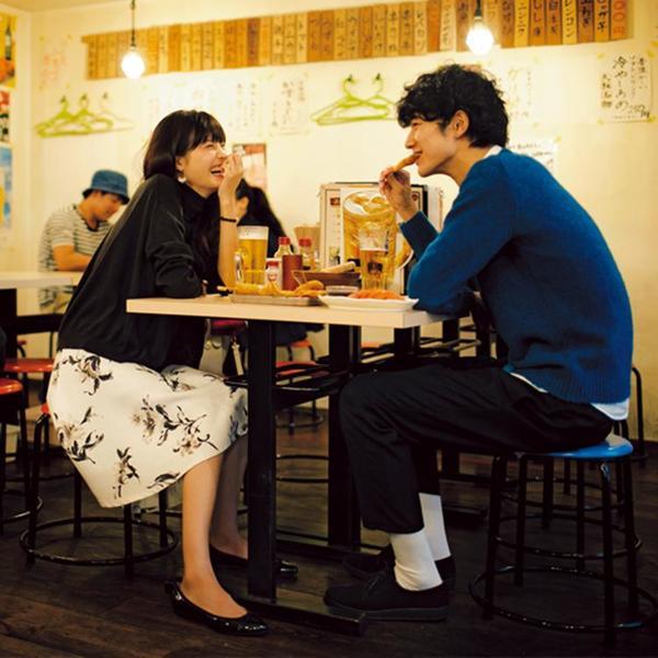 В России это нормально, а здесь не целуются на публике: стиль ухаживания, который преобладает в Японии