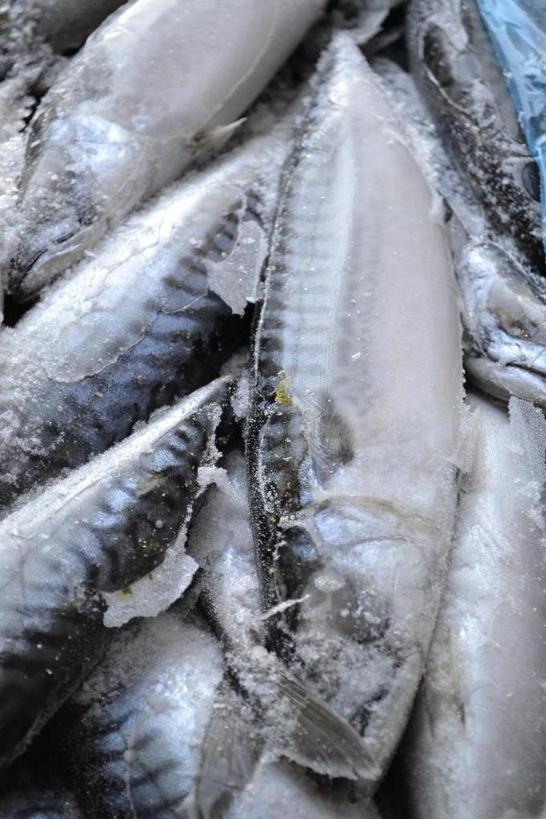 Секрет моего рецепта в необычном маринаде: скумбрия по вкусу получается как красная рыба