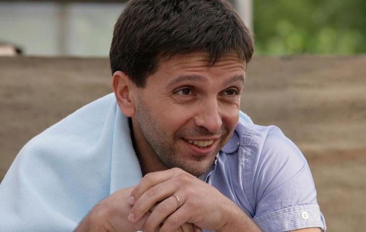 Шоумен Леонид Барац бросил молодую жену и стал холостяком