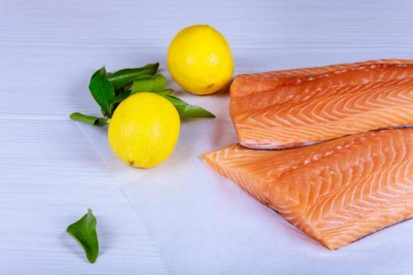 Рецепт приготовления вкуснейшего запеченного лосося в глазури. Пальчики оближешь