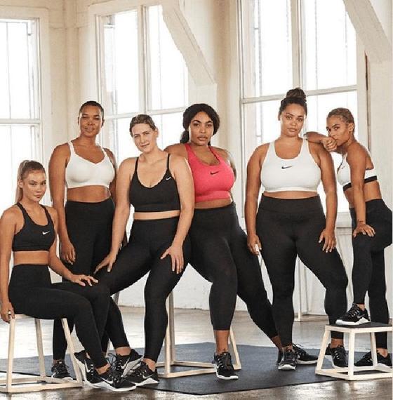 Найк  поддерживает девушек плюс сайз, занимающихся спортом: в магазинах бренда появились манекены с женственной фигурой