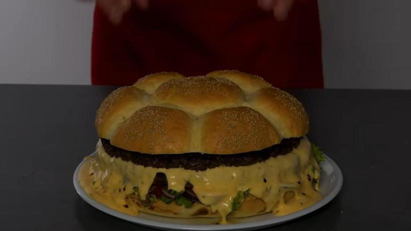 По выходным я готовлю гигантский чизбургер, от которого дети и муж в восторге: рецепт
