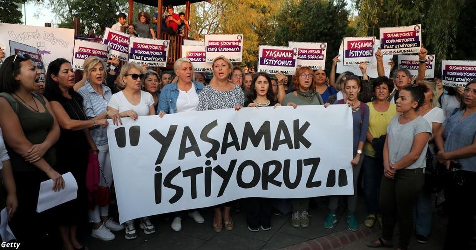 Закон в Турции заставит женщин выходить замуж за своих насильников