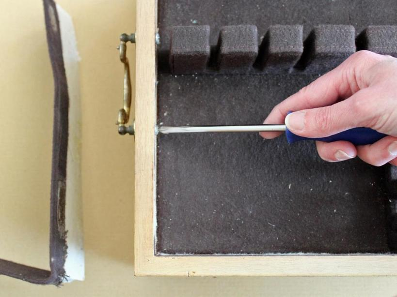 Как переделать коробку от столовых приборов в удобную шкатулку для хранения украшений