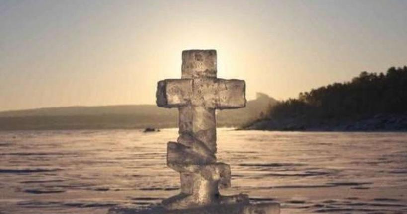 Во время купания на Крещение человек рискует своим здоровьем, а Богу это не нравится: что говорят священники о традиции