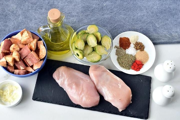 Вкуснейшее куриное филе с брюссельской капустой и бататом. Рецепт от шеф-повара, который поделился своими секретами со мной