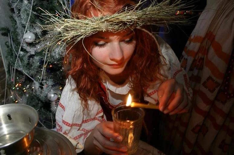 Раз в крещенский вечерок... Как современные девушки могут гадать, используя блага цивилизации и социальные сети