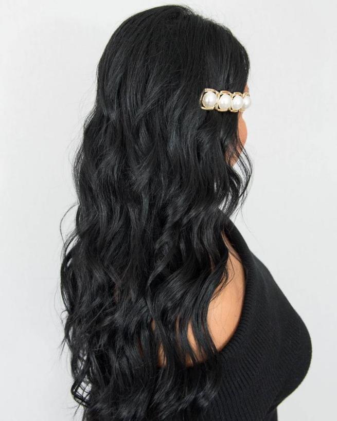 Три простые прически, которые выглядят еще лучше с заколками для волос: пошаговые инструкции