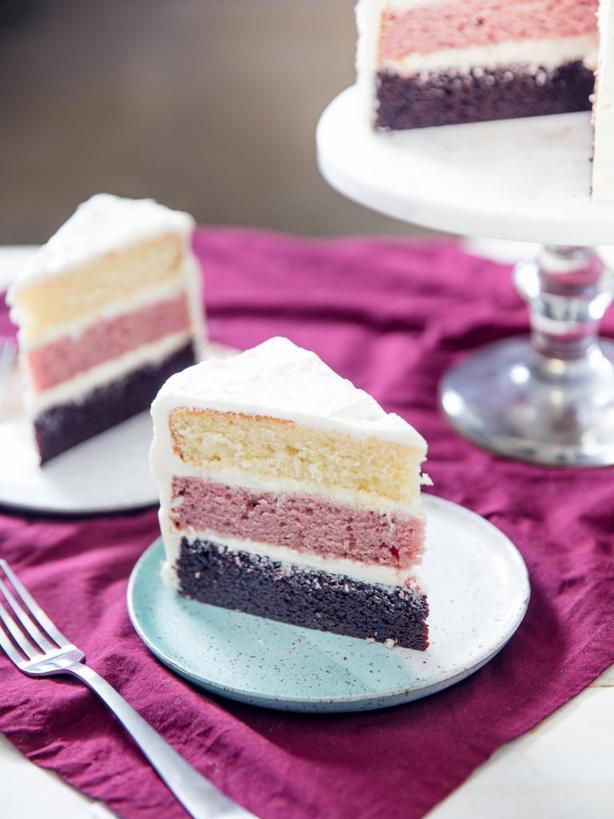 Смешала несколько рецептов и получила совершенно новую разновидность изумительно вкусного неаполитанского торта