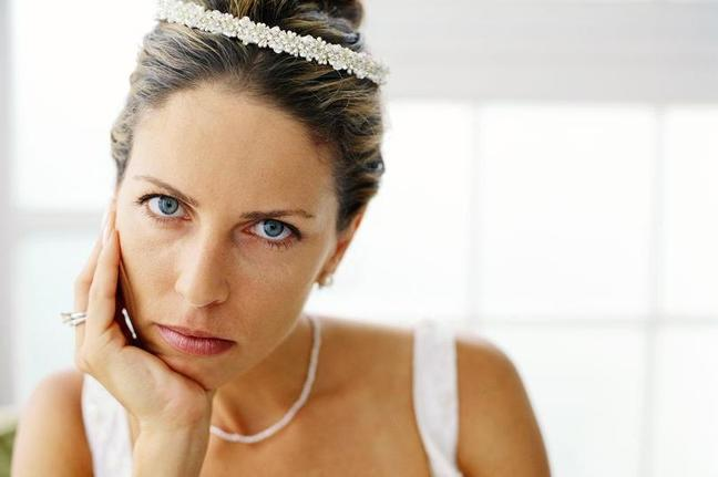 «Ты просто капризная девочка»: невеста потребовала платье за 950 долларов, а жених предложил альтернативный вариант за 50