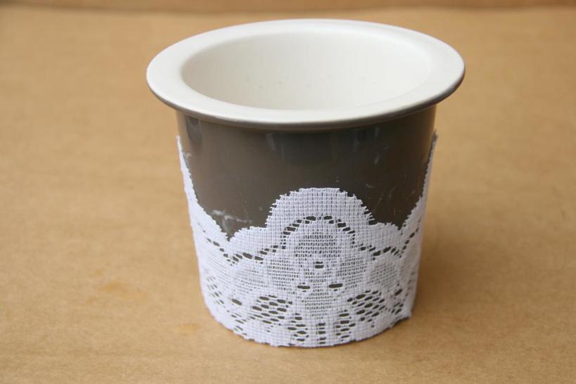 Как украсить стаканчики кружевом для вечеринки и сделать их праздничными