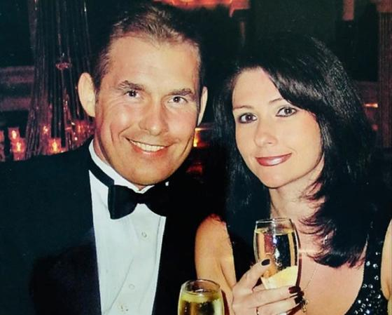 Павел Астахов больше 30 лет счастлив в браке с красоткой женой (новые фото)
