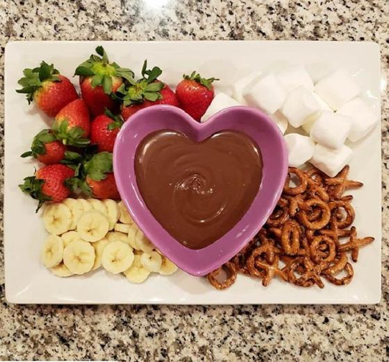 Из оставшихся после Дня влюбленных шоколадных конфет можно приготовить пять интересных десертов