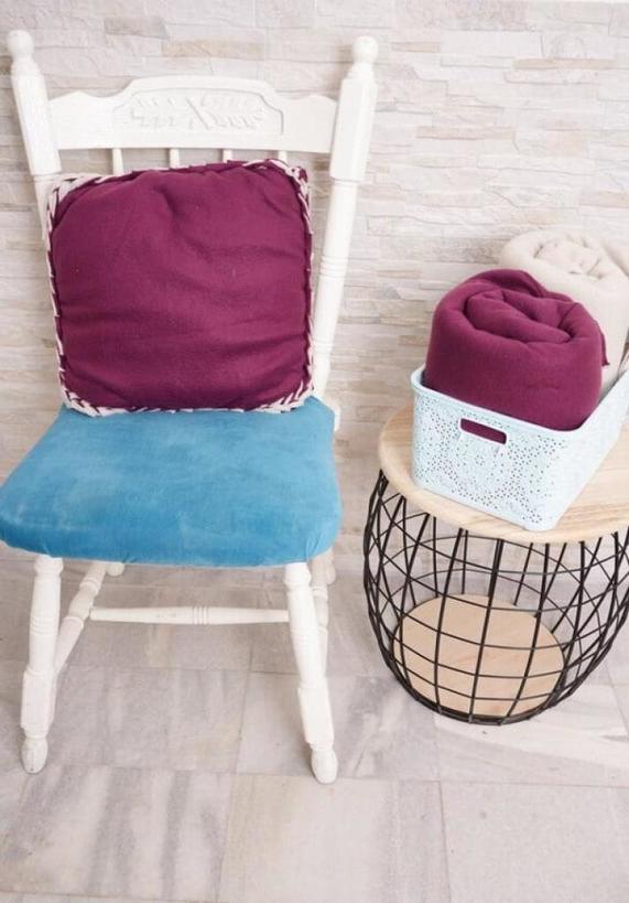 Флисовая подушка с рельефными краями: мастер класс для тех, кто не любит или не умеет шить