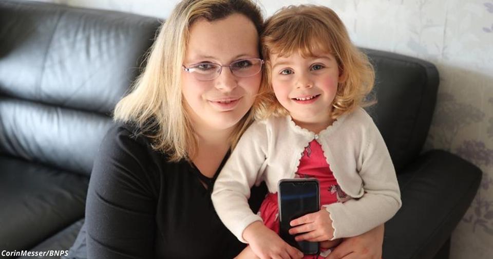 2 летняя девочка спасла маму от смерти с помощью Facebook
