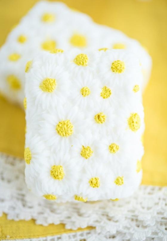 Ароматное и натуральное: готовим ванильно-ромашковое мыло своими руками