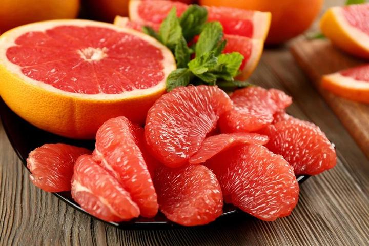 Фруктовый уход, или Готовим детокс-маску и скраб для лица из грейпфрута: простые рецепты
